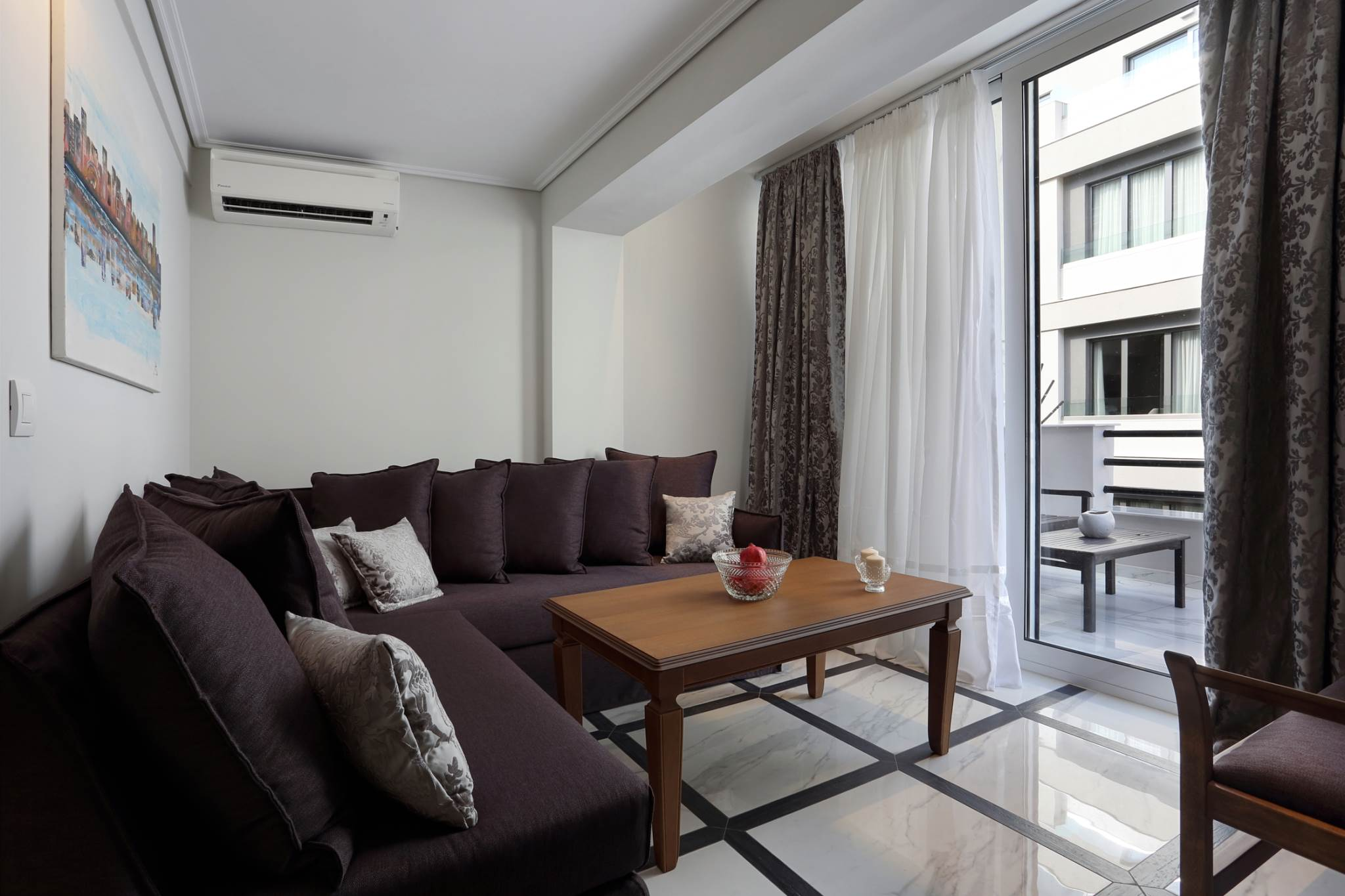 V1935 E Fully Renovated 2 bedroom Penthouse apt, Terrace...