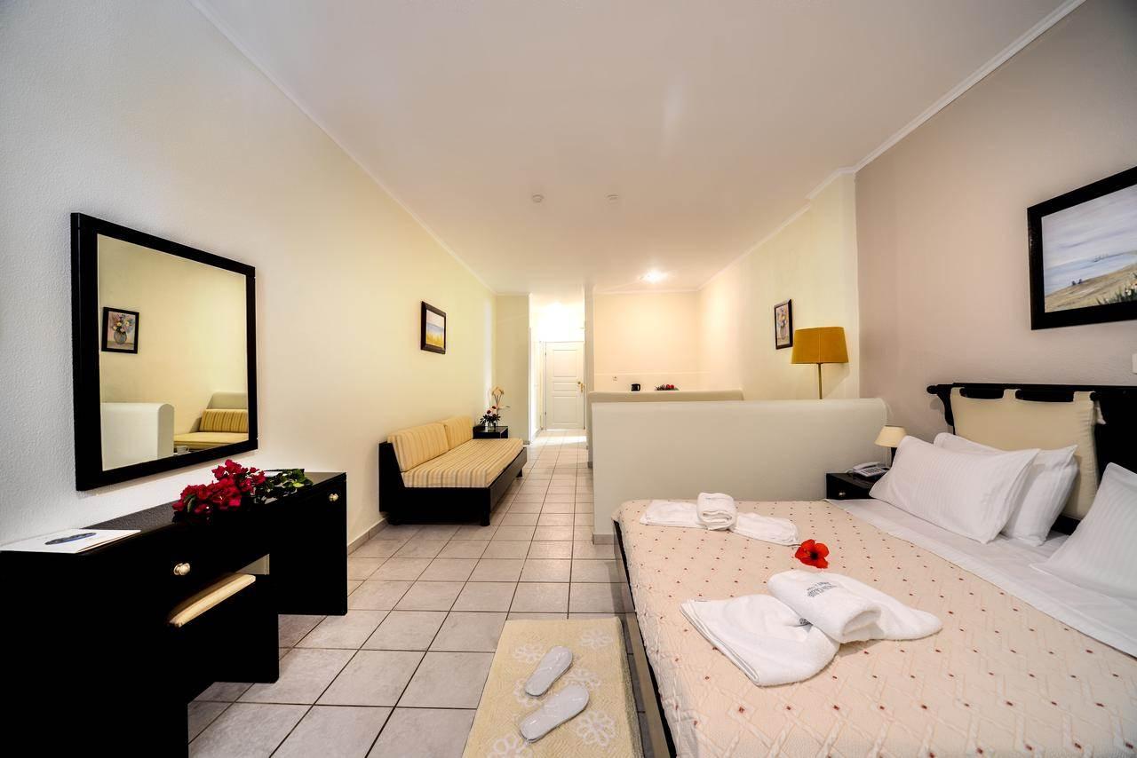 Superior Triple Pool View - Paxos Club Hotel
