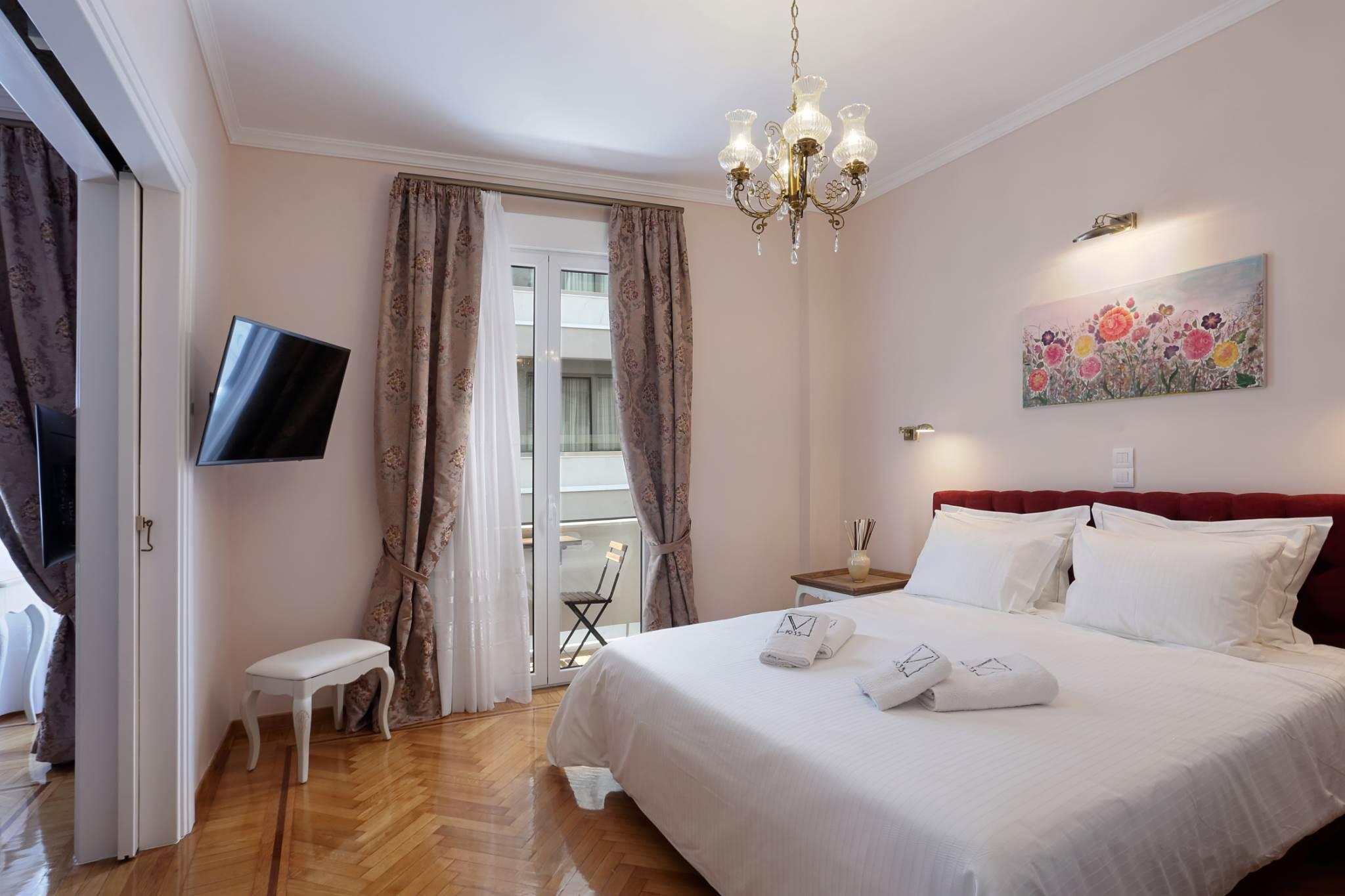 V1935 B1 Fully Renovated one bedroom apt 1min to Syntagm...