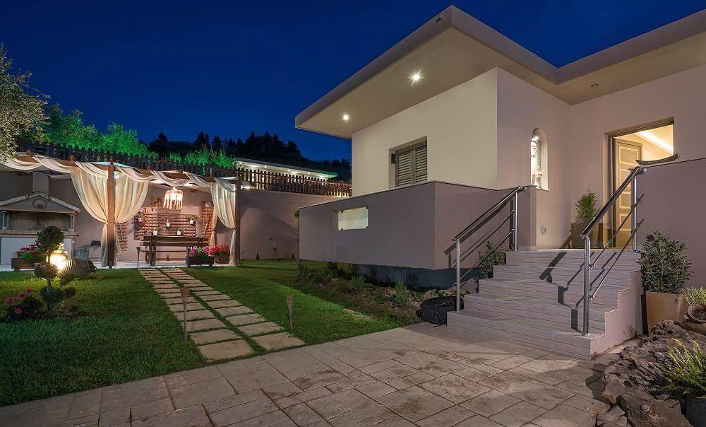Cavani II Villa