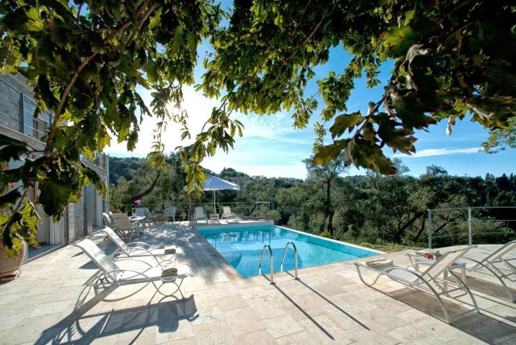 Mistral Villa