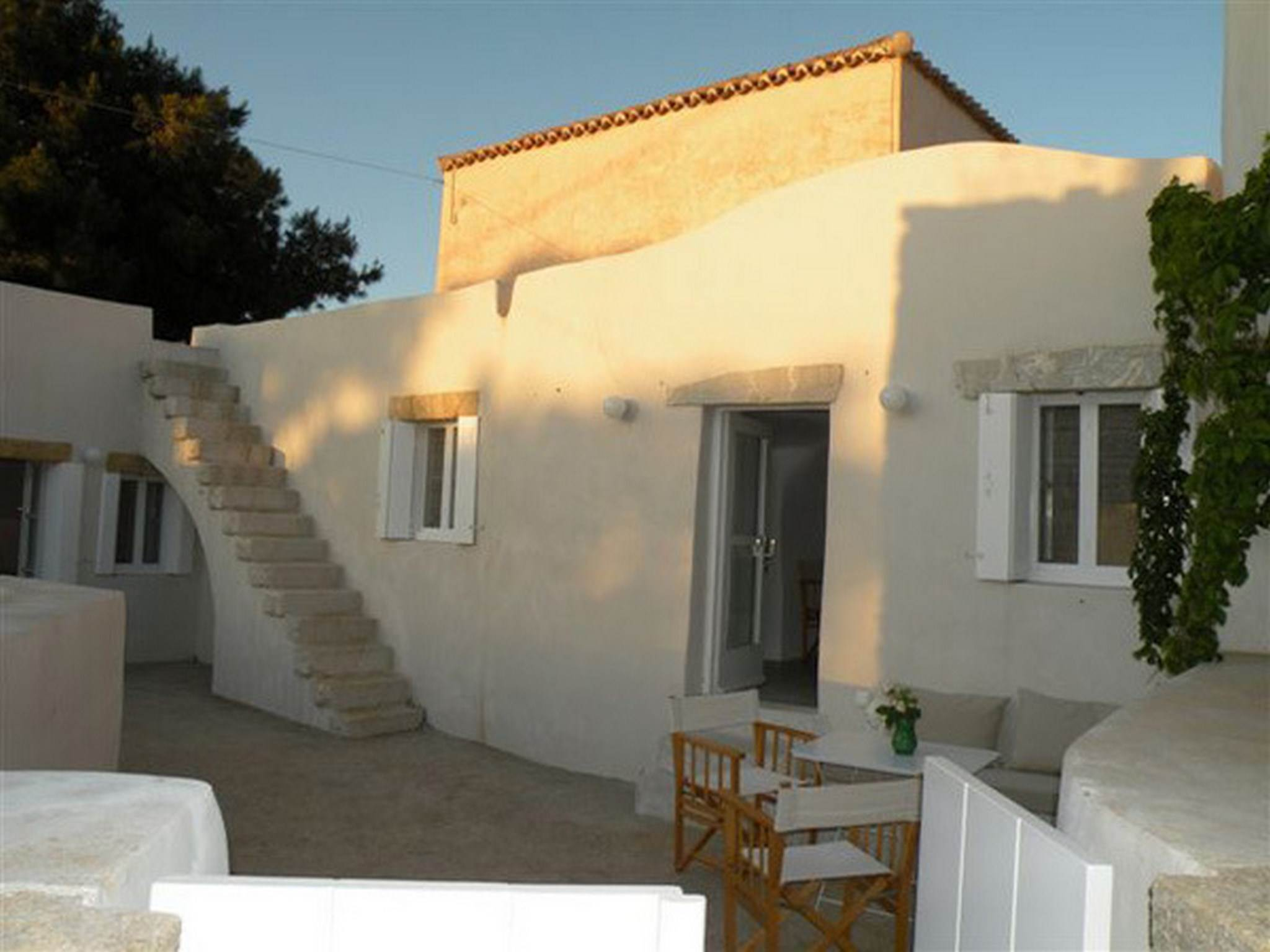 KYTHIRA TRADITIONAL COTTAGE HOUSE