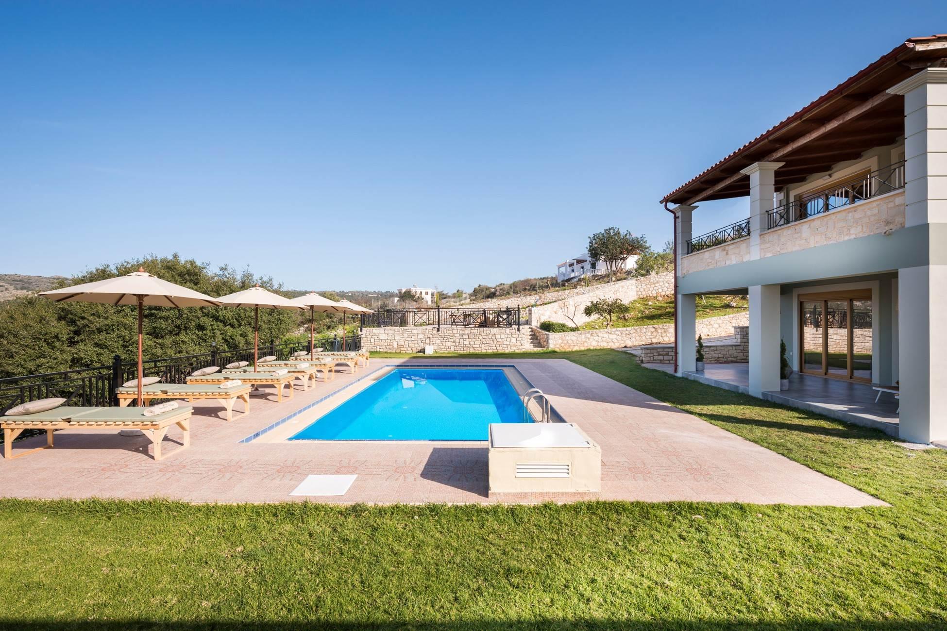 Erato Luxury Residence, private pool, BBQ, nea... photo 16281323