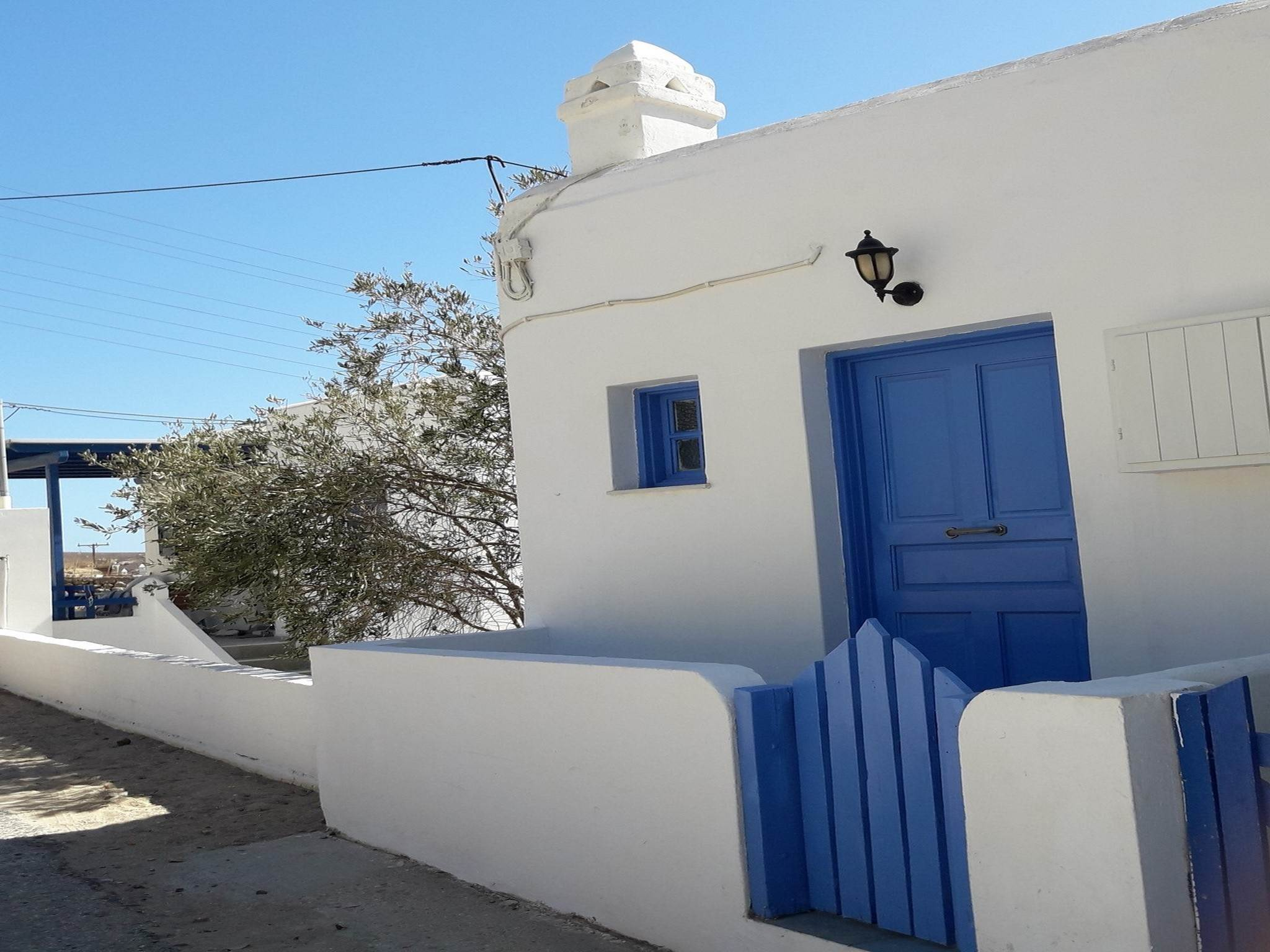 COSY HOUSE IN SERIFOS