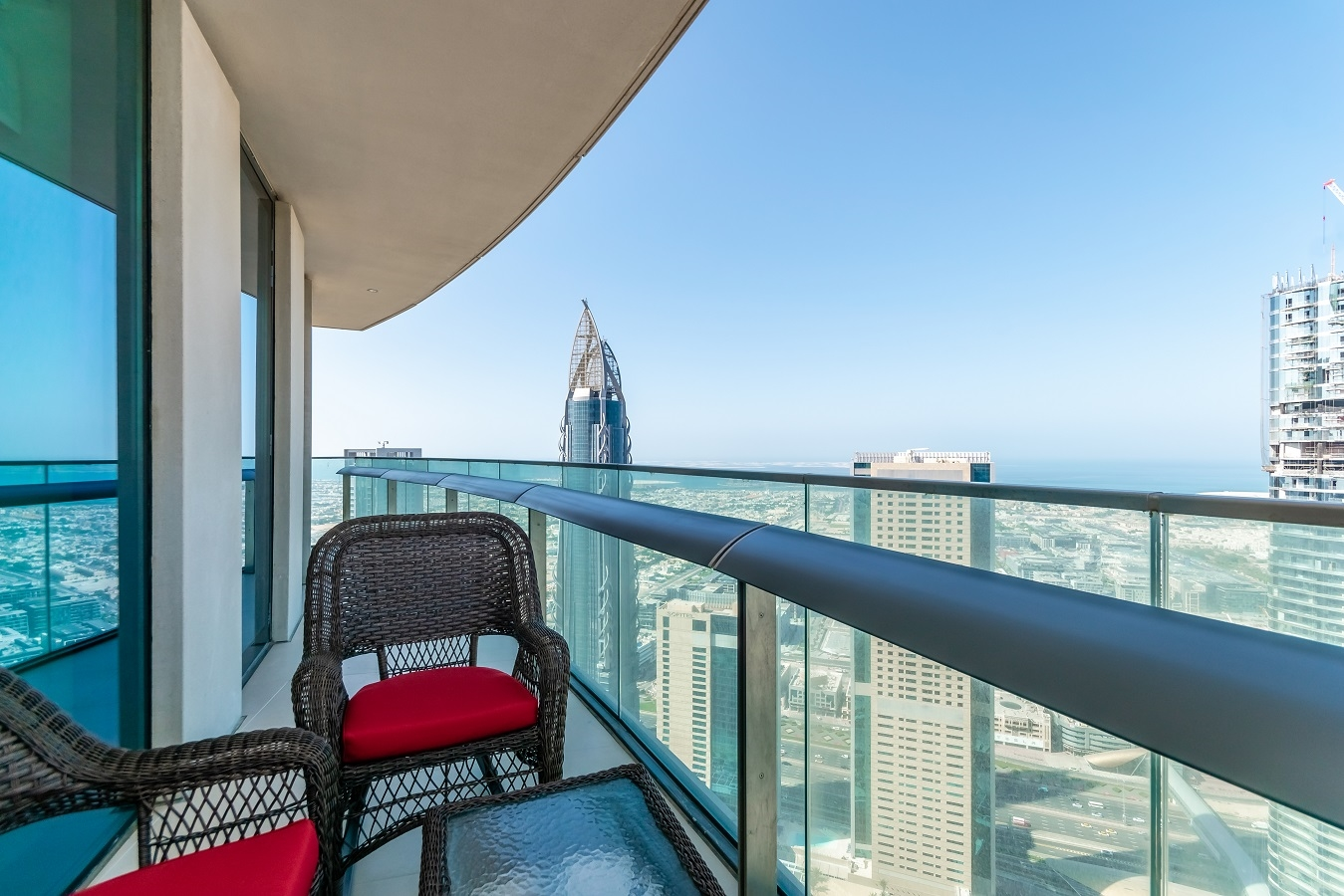 Apartment Oceanic  Ease by Emaar    Blissful Two Bedroom    photo 26377356