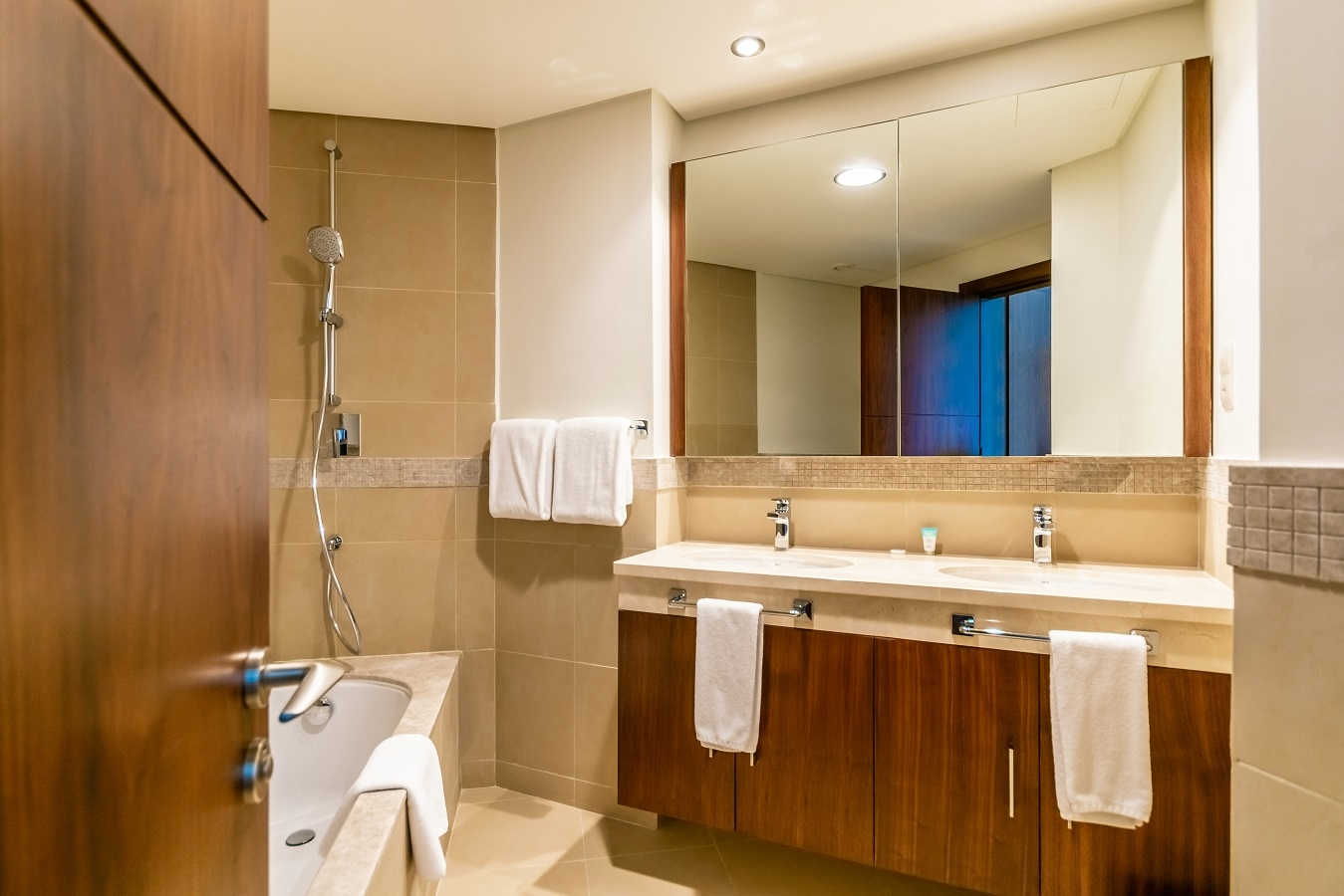 Apartment Oceanic  Ease by Emaar    Blissful Two Bedroom    photo 26377358