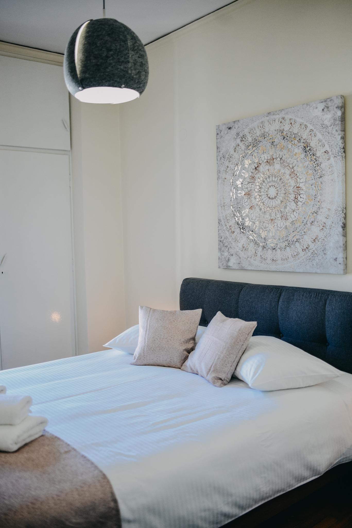 Best House, Kapodistriou, Psila Alonia 3