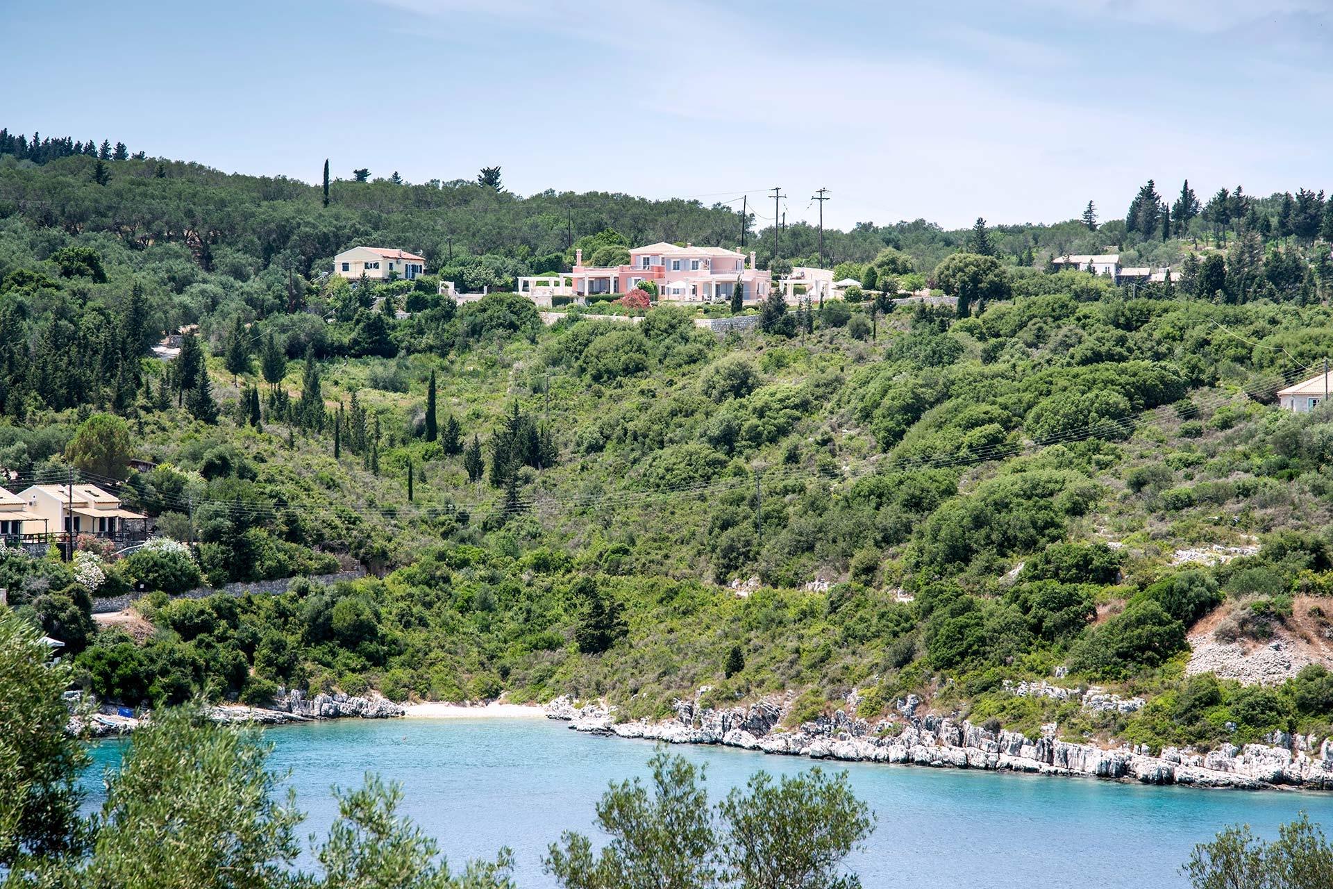 Daphnis Villa