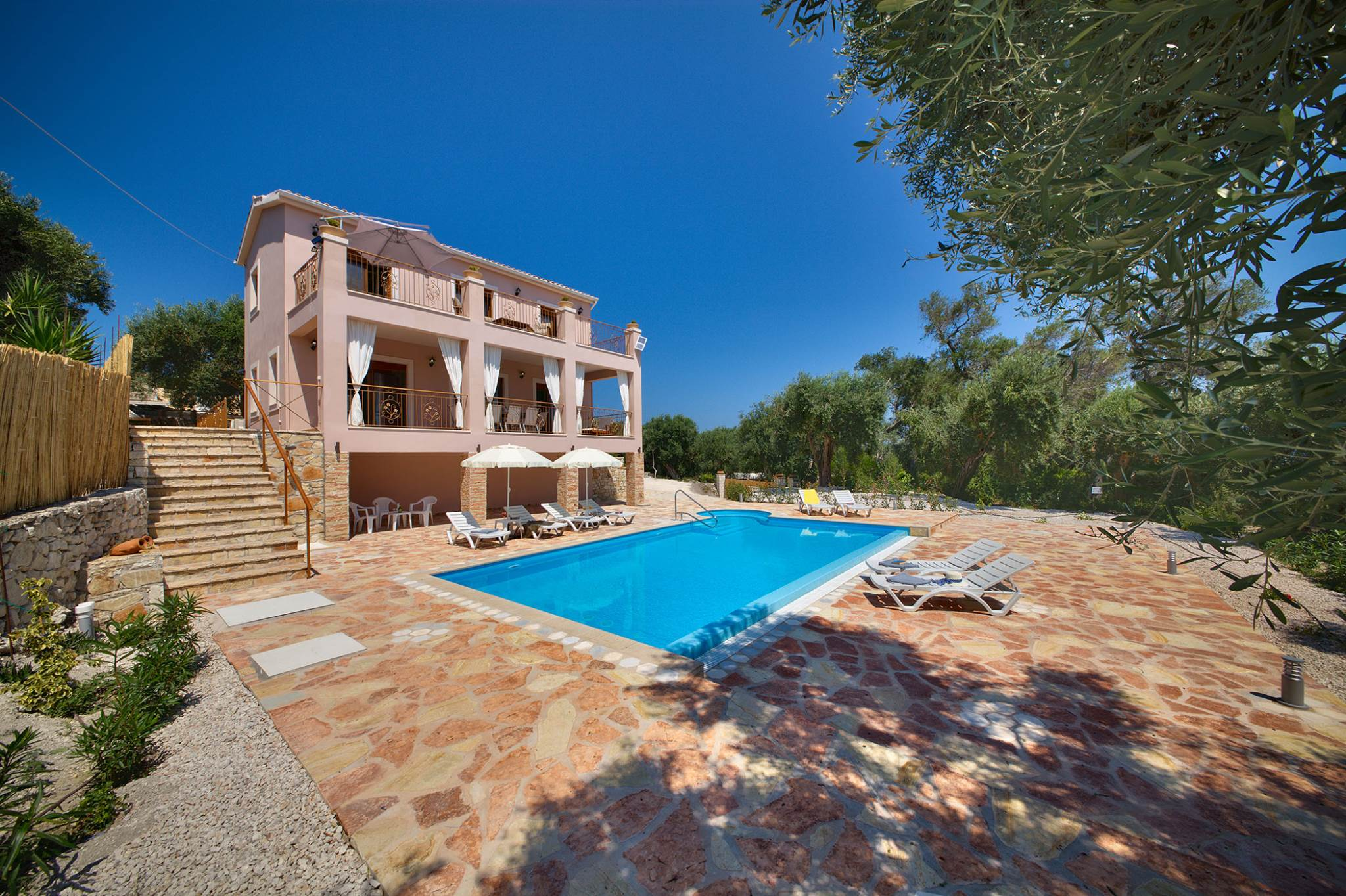 Androniki Villa