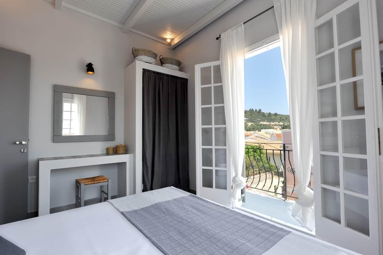 Alia Apartment