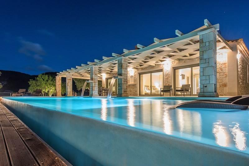 Collins Villa
